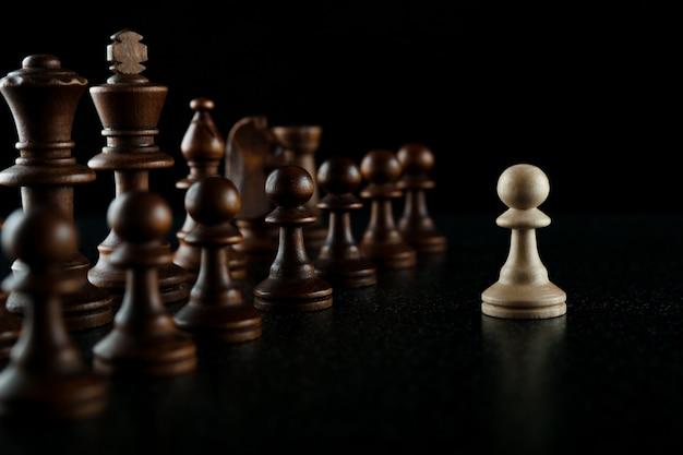 Één tegen velen in schaakconcept