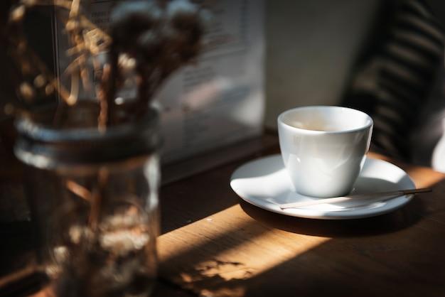 Een trendy coffeeshop in de stad
