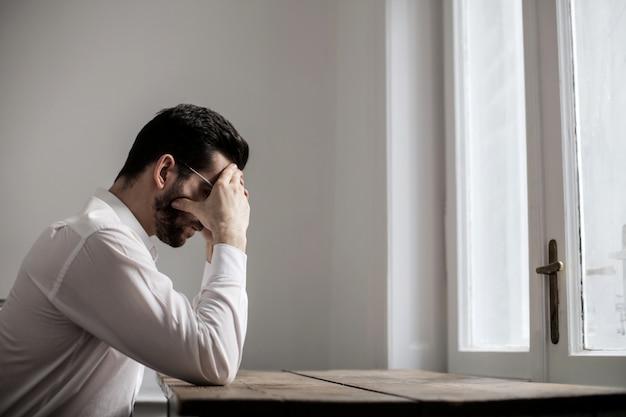 Een trieste man