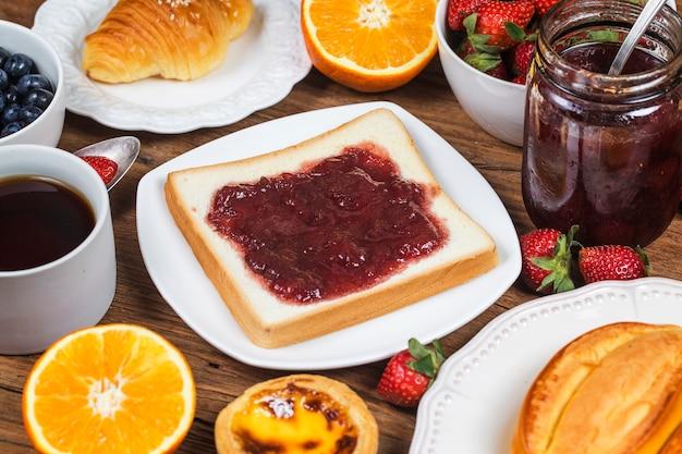 Een uitgebreid ontbijt