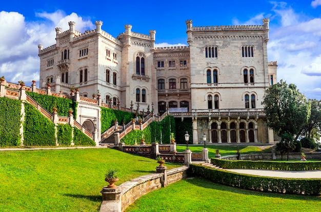Een van de mooiste kastelen van italië - miramare in triëst