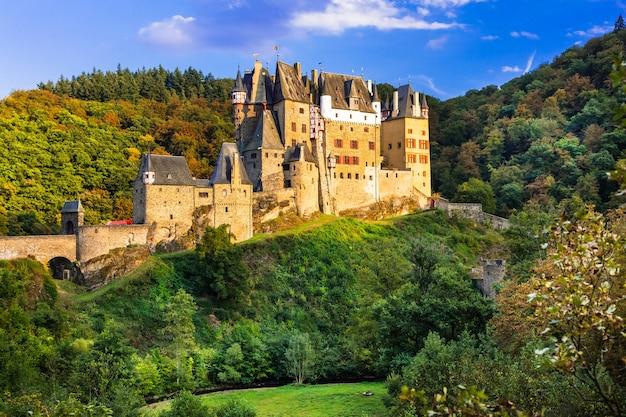 Een van de mooiste middeleeuwse kastelen van europa.