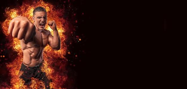 Een vechter in brand sport reclame mma bokser gespierde knappe man vechter bokser vechten