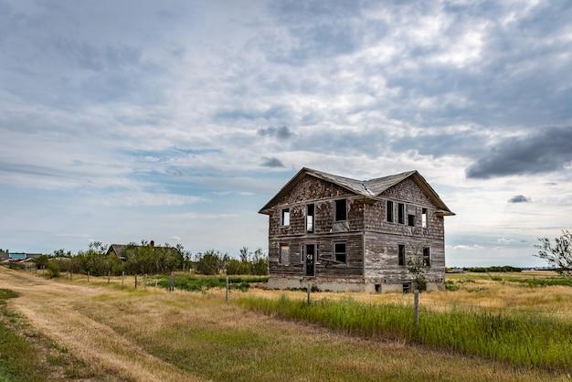 Een verlaten ziekenhuis in de spookstad robsart saskatchewan