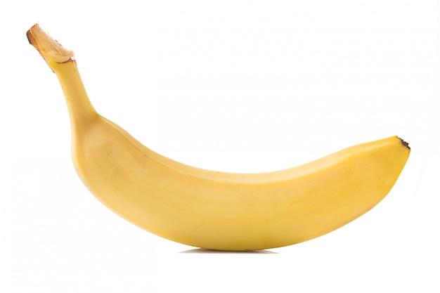 Een verse gele banaan geïsoleerd op wit.