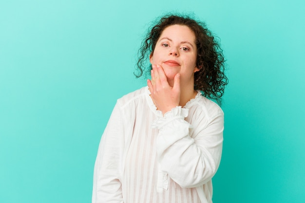 Een vrouw met het syndroom van down isoleerde de twijfel tussen twee opties.