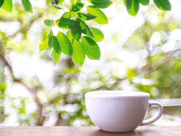 Een witte koffiemok