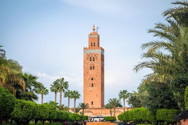 Een zicht op de koutoubia-moskee. marrakesh, marokko.