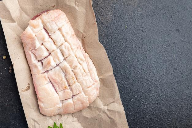 Eendenborst rauw vlees gevogelte verse maaltijd snack op tafel kopieer ruimte voedsel achtergrond rustiek