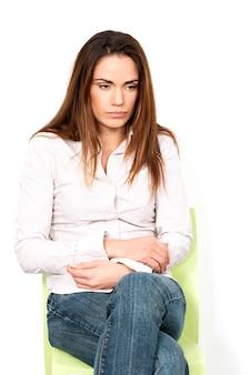 Eenzame jonge vrouw in crisismoment