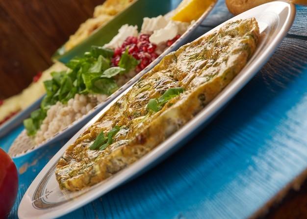 Egyptische keuken. traditionele egyptische omelet igga