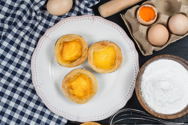 Ei taart, traditioneel portugees dessert