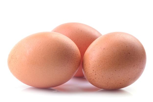 Eieren op een witte achtergrond