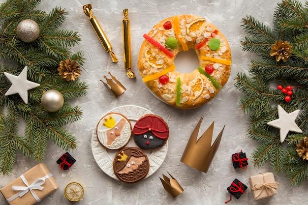Eigengemaakt epiphany-dessert en cake