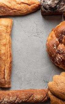 Eigengemaakt gebakken brood kopie ruimte