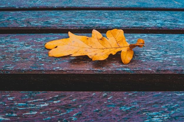 Eiken verlof op houten tafel