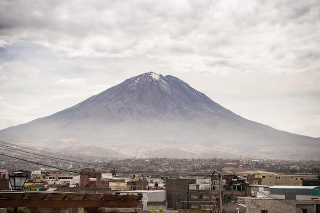 El misti-vulkaan in arequipa, peru