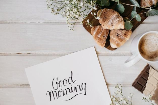 Elegant ontbijt met sjabloon