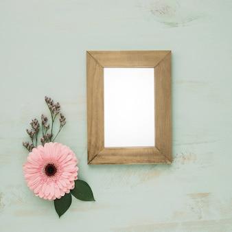 Elegante bloem dichtbij frame