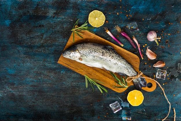 Elegante gezonde voedselsamenstelling met vis
