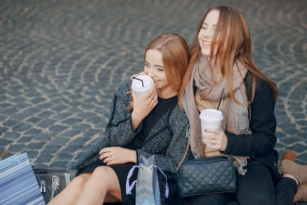 Elegante meisjes sjaal kleding portret