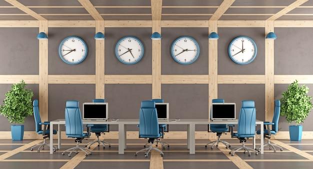 Elegante moderne boardroom met een grote vergadertafel
