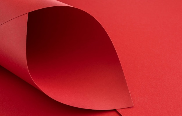 Elegante rode papieren gedraaid