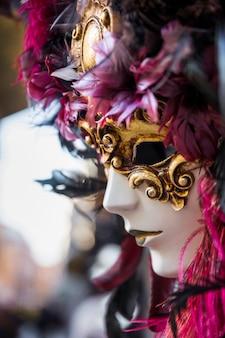 Elegante samenstelling met het masker van venetiaans carnaval