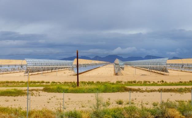 Elektrisch station van zonnewaterverwarmingssysteem op arizona