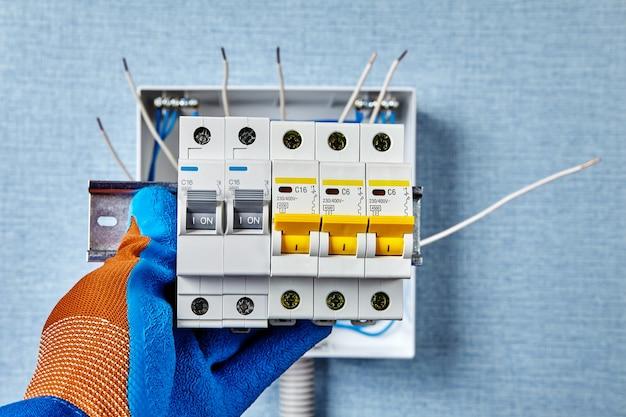 Elektrisch werk van engineeringnetwerken en -systemen.