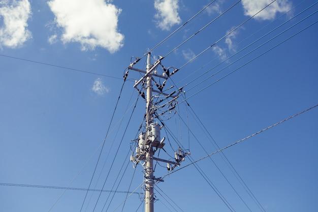 Elektrische draad en paal voor technologie