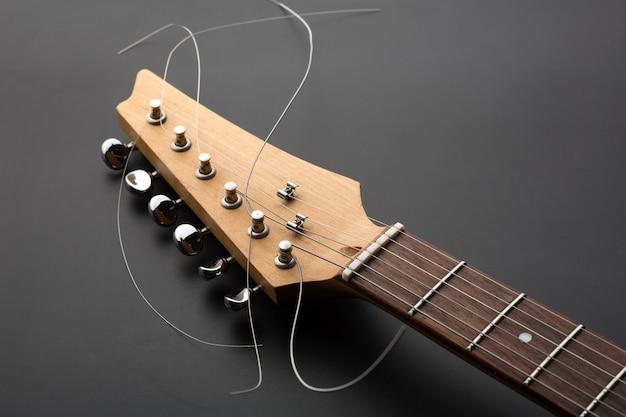Elektrische gitaar kop en stemmachines. macroweergave