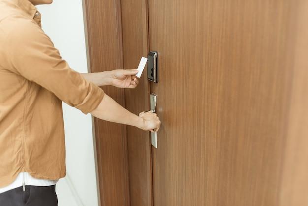 Elektronisch sleuteltoegangssysteem om deuren te vergrendelen en te ontgrendelen