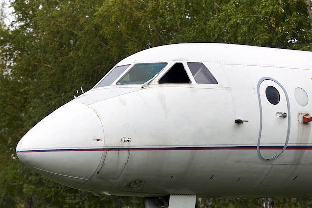 Elementen van een oud sovjet militair vliegtuig
