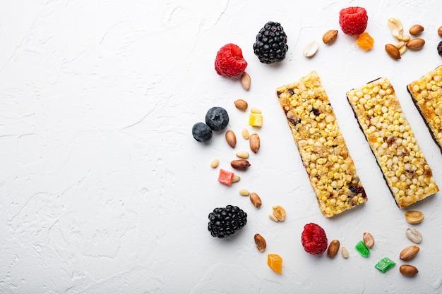 Energierepen voor gedroogd fruit met verschillende ingrediënten