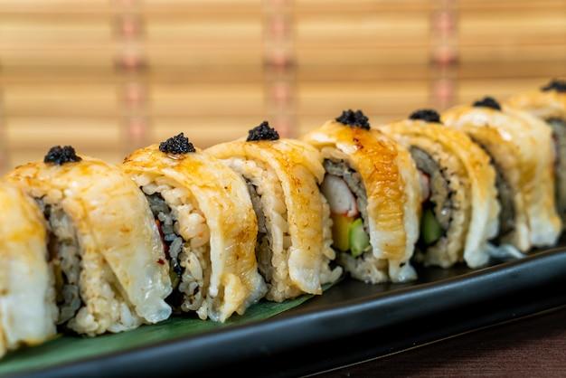 Engawa sushi roll - japans eten