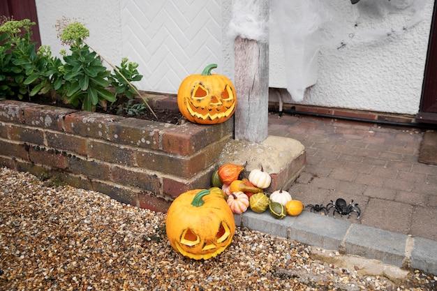 Enge halloween-huisdecoraties