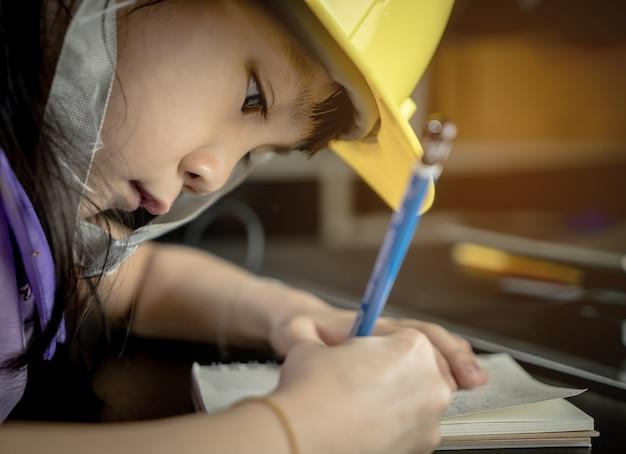 Engineering kid onderwijs concept