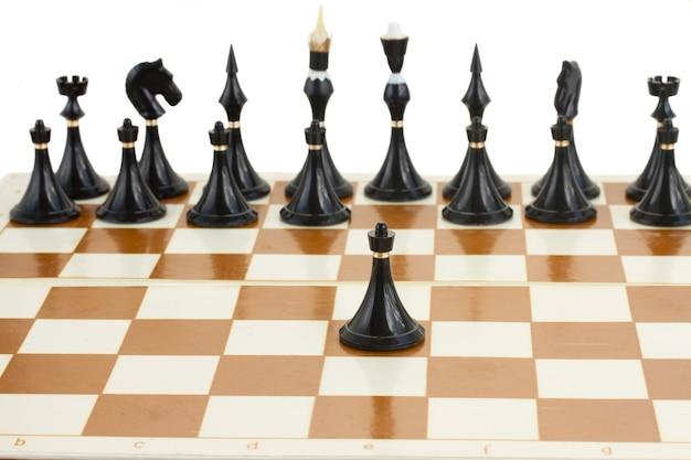 Enige zwarte pion voor zwart schaak
