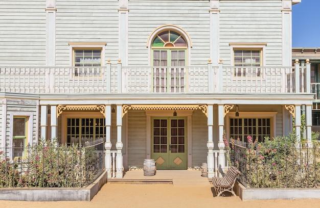 Entree van een landhuis in far west-stijl