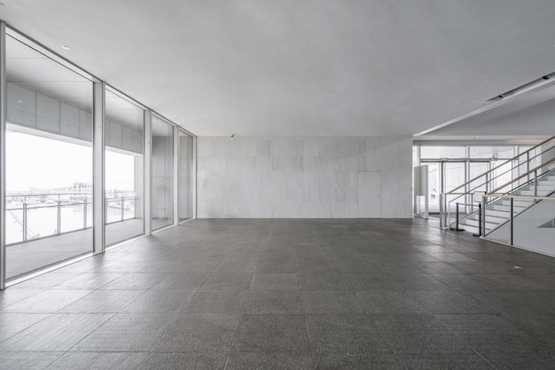 Entreehal en lege vloertegel, binnenruimte