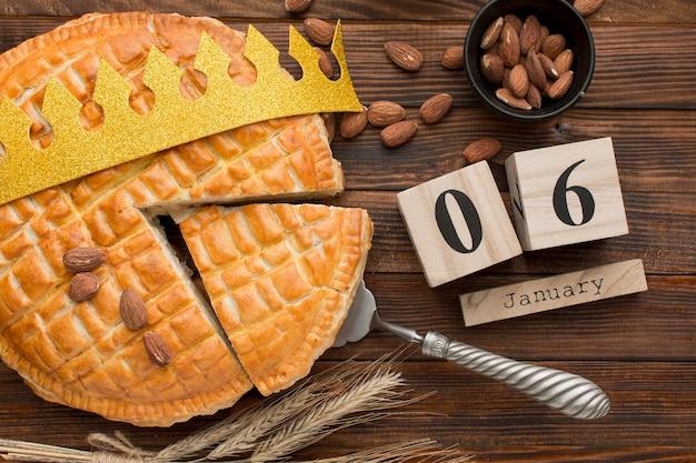Epiphany-dessert zelfgemaakt en 6 januari-kalender