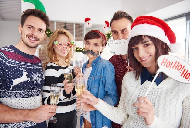 Er worden kerstaccessoires gebruikt