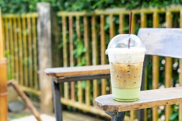 Espressokoffie met matcha groene theeglas
