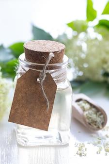 Essentie van vlierbessenbloemen, vlierbes detox drink sambucus.
