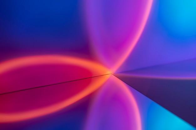 Esthetische achtergrond met lichte zonsondergangprojectorlamp