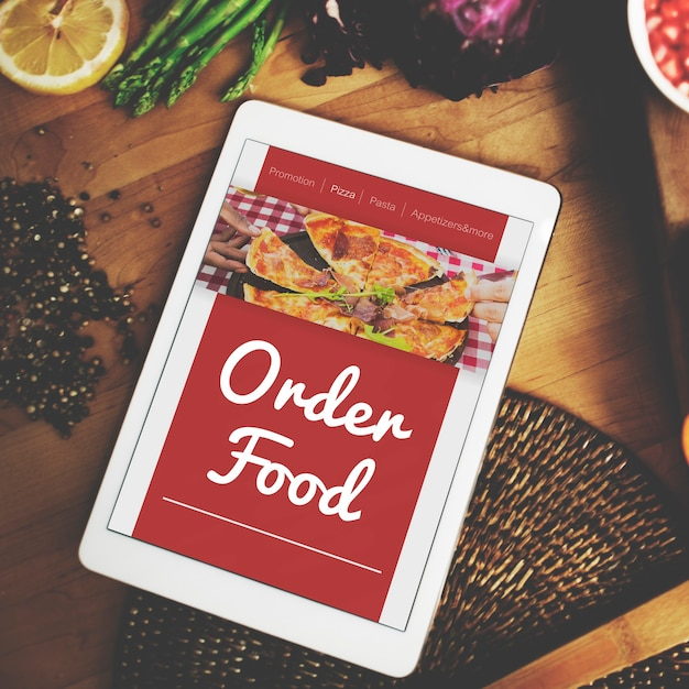 Eten bestellen pizza online internet concept
