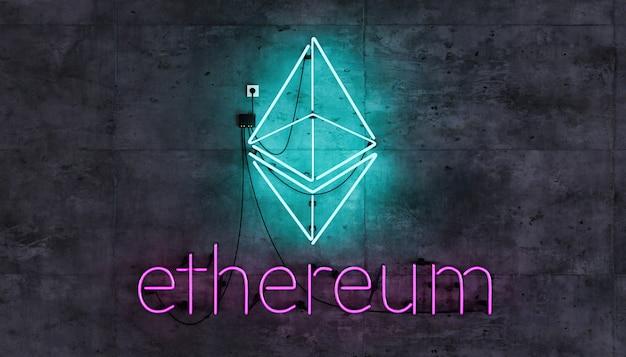 Ethereum-symbool op neonlamp op betonnen muur