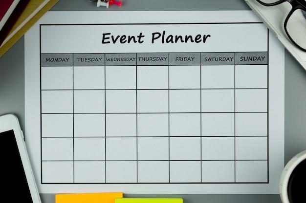 Evenementenplan maandelijks zaken doen of activiteiten uitvoeren.