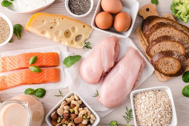 Evenwichtige voeding voedselachtergrond. voeding, schoon eten voedselconcept. eiwit- en bodybuildingvoeding